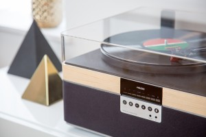 05 Plus Record Player c