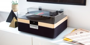 05 Plus Record Player d