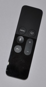 03 Apple remote long